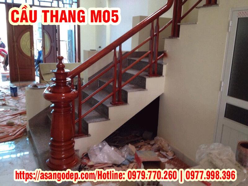 Cầu thang gỗ tự nhiên M05