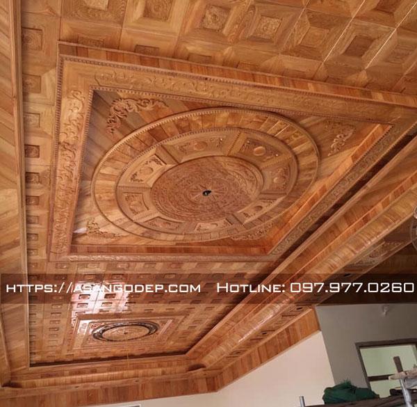 Mẫu trần gỗ Pơ Mu cho phòng khách