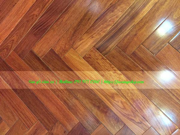 Sàn gỗ tự nhiên căm xe 15x90x750