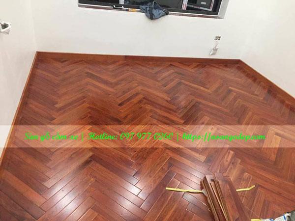Sàn gỗ tự nhiên căm xe 18x120x600