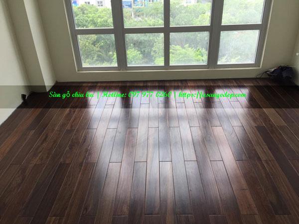 Sàn gỗ chiu liu 18x120x900