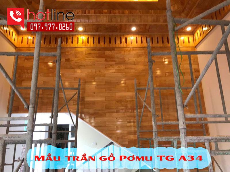 Mẫu trần gỗ pơmu phòng khách đẹp 2020
